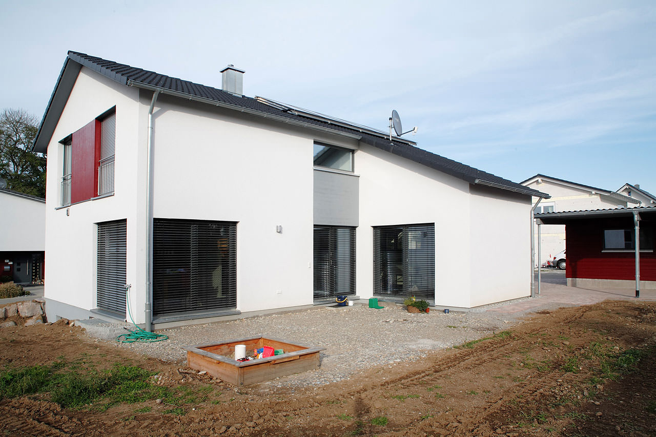 Energiesparhaus einfamilienhaus lauchringen architekt for Architekt einfamilienhaus